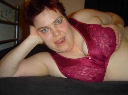 Dick reif geil - Dickes Luder vor der Telefonsex Cam
